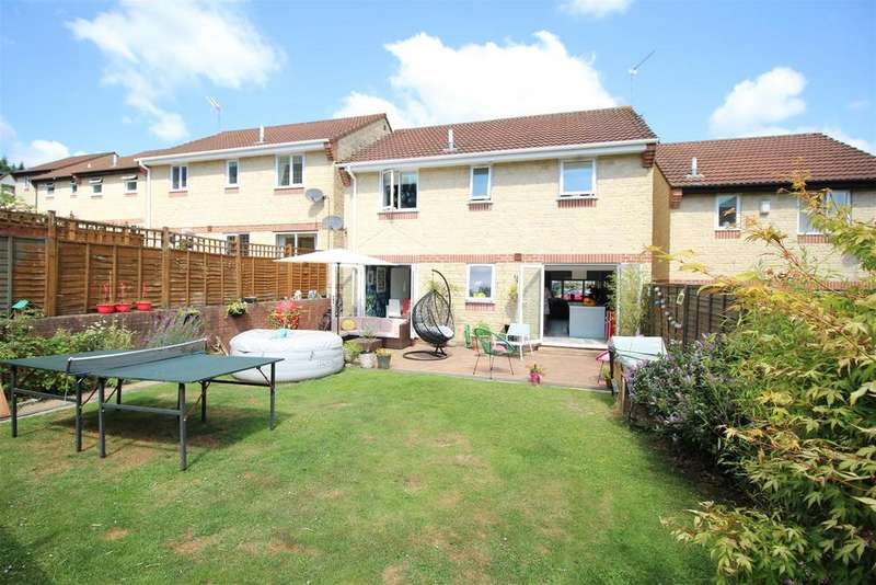 4 Bedrooms Detached House for sale in Rose Walk, Rogerstone, Newport