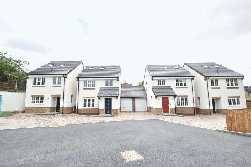 4 Bedrooms Detached House for sale in Colin Place