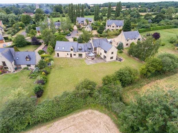 6 Bedrooms Detached House for sale in Tannery Lane, Odell, Bedford
