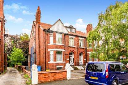 2 Bedrooms Flat for sale in Athol Road, Manchester, Greater Manchester