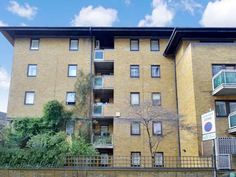 1 Bedroom Flat for sale in East Smithfield, Wapping E1W