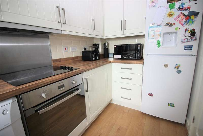 2 Bedrooms Semi Detached House for sale in Wellington Grove, Cinderford