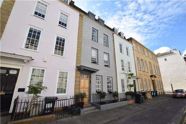 4 Bedrooms Terraced House for sale in Orchard Street, Bristol, BS1 5EH