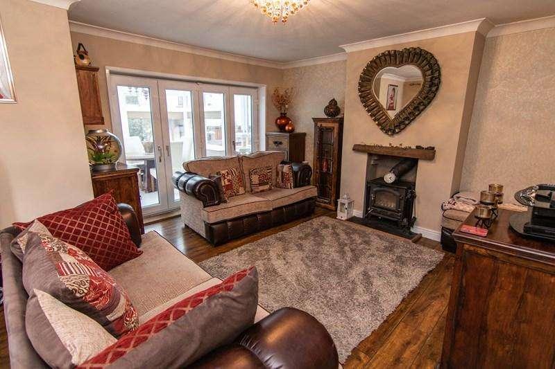 3 Bedrooms Detached Bungalow for sale in Reservoir Road, Beaufort, Ebbw Vale