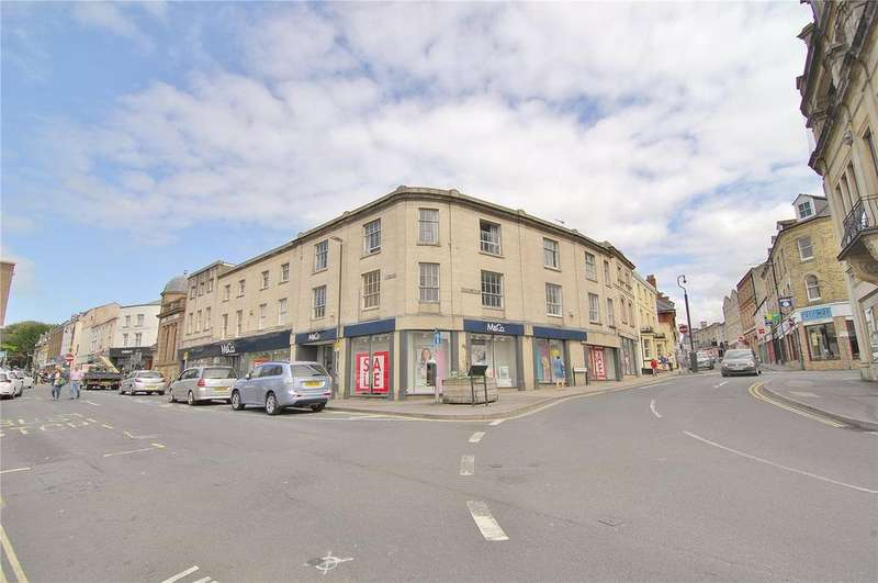 2 Bedrooms Apartment Flat for sale in Kings House, Russell Street, Stroud, Gloucestershire, GL5