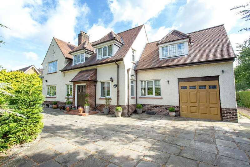 4 Bedrooms Detached House for sale in Beechwood Lane, Culcheth, Warrington, Cheshire, WA3