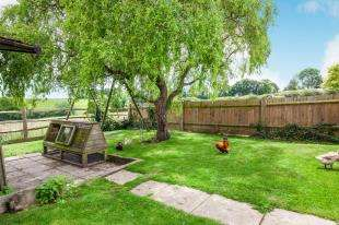 3 Bedrooms Detached House for sale in North Road, Bodle Street Green, East Sussex, England