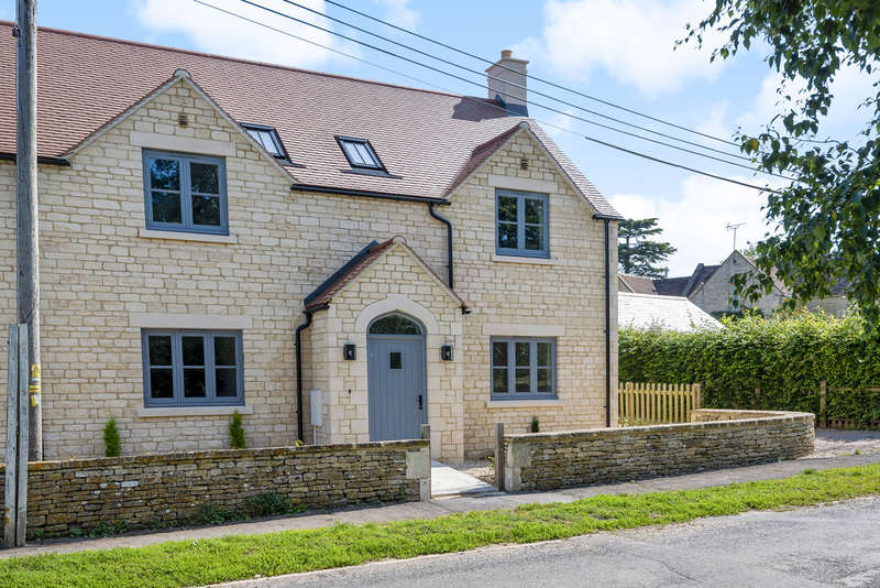 4 Bedrooms Semi Detached House for sale in Down Ampney