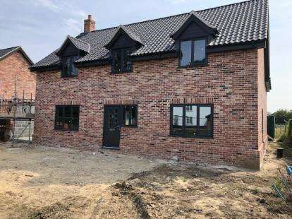 4 Bedrooms Detached House for sale in Griston