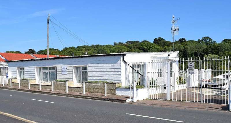 2 Bedrooms Detached House for sale in Embankment Road, Bembridge, Isle Of Wight, PO35 5NR