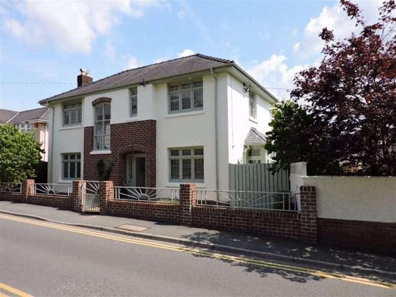 4 Bedrooms Detached House for sale in Wellfield Road, Carmarthen