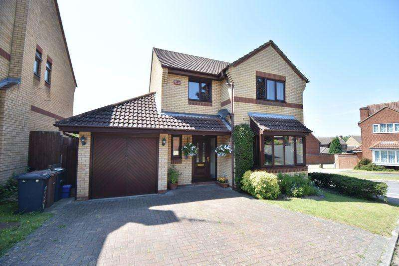 4 Bedrooms Detached House for sale in Lippitts Hill, Luton