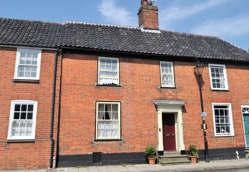 3 Bedrooms Terraced House for sale in London Road, Halesworth