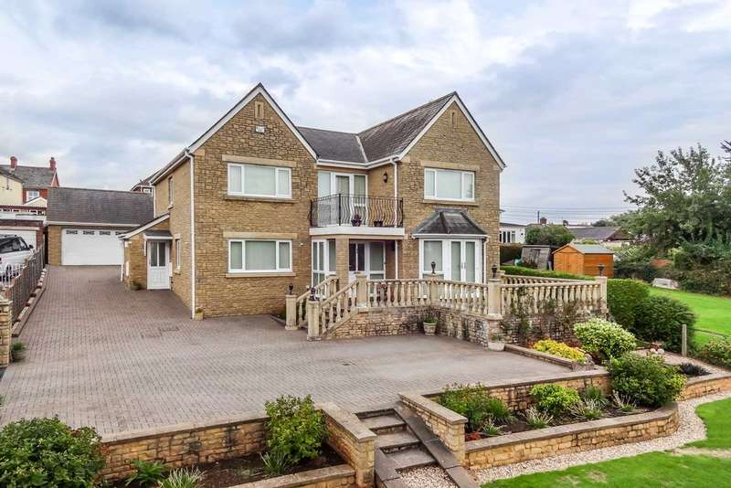 5 Bedrooms Detached House for sale in Beaufort Drive, Lydney