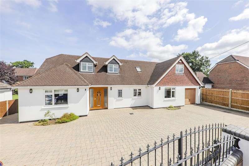 5 Bedrooms Detached Bungalow for sale in Sandhurst Road, Yateley, Hampshire, GU46