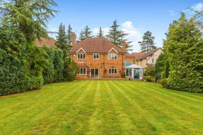 5 Bedrooms Detached House for sale in Carrwood Road, Bramhall, Stockport, Greater Manchester