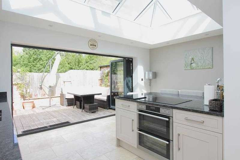 5 Bedrooms Link Detached House for sale in Gason Hill Road, Tidworth