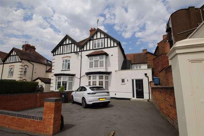 4 Bedrooms Semi Detached House for sale in Warwick Street, Leamington Spa, Warwickshire, CV32