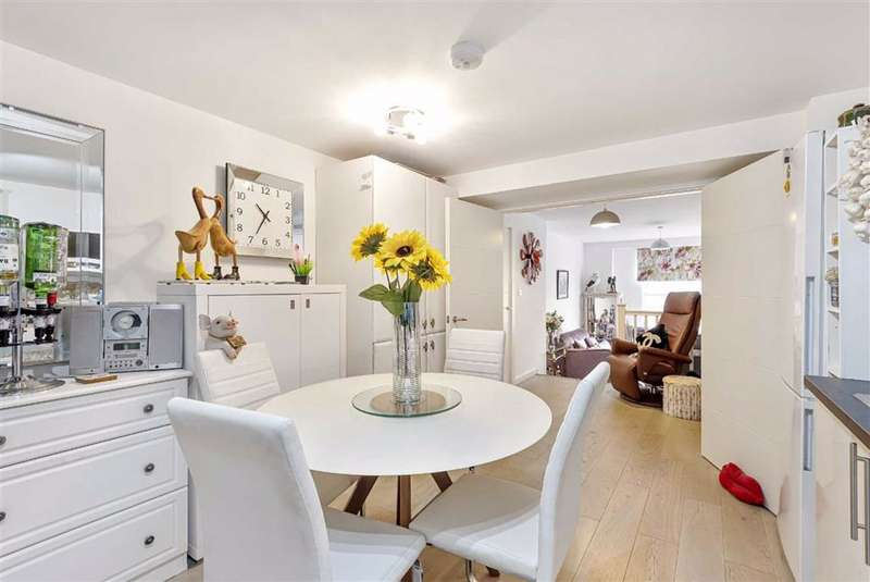 2 Bedrooms Flat for sale in Albion House, Bedford