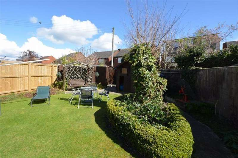 4 Bedrooms Terraced House for sale in Holbury Crescent Whitminster