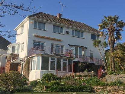 3 Bedrooms Detached House for sale in Holcombe, Dawlish, Devon