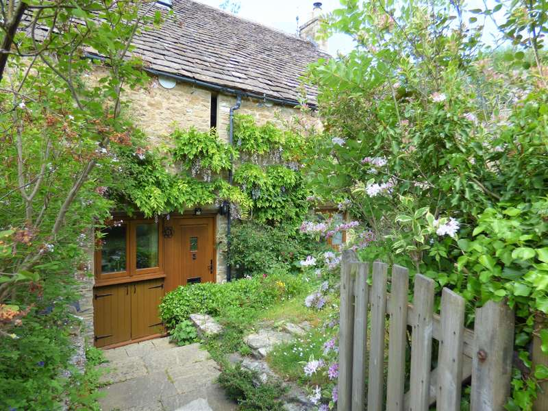 4 Bedrooms Barn Conversion Character Property for sale in Ampney Mill Cottages, Ampney Crucis