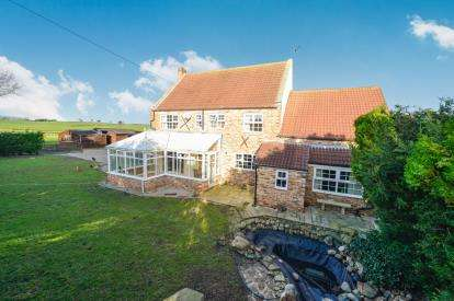 5 Bedrooms Detached House for sale in Skutterskelfe, Hutton Rudby, Yarm, North Yorkshire