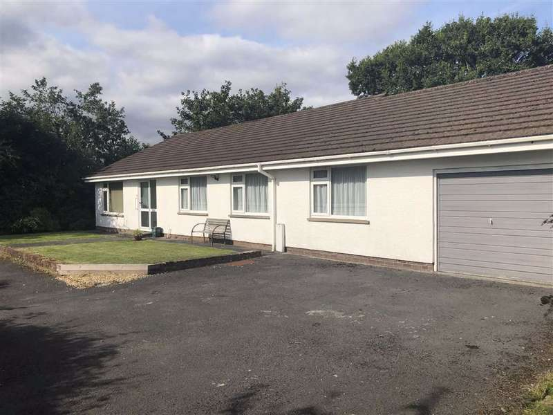 4 Bedrooms Detached Bungalow for sale in Bolahaul Road, Cwmffrwd, Carmarthen