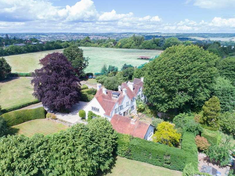 6 Bedrooms Semi Detached House for sale in Bradcutts Lane, Cookham Dean