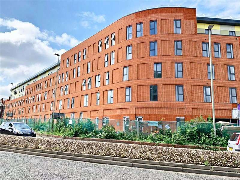 2 Bedrooms Apartment Flat for sale in Black Dog Way, Gloucester