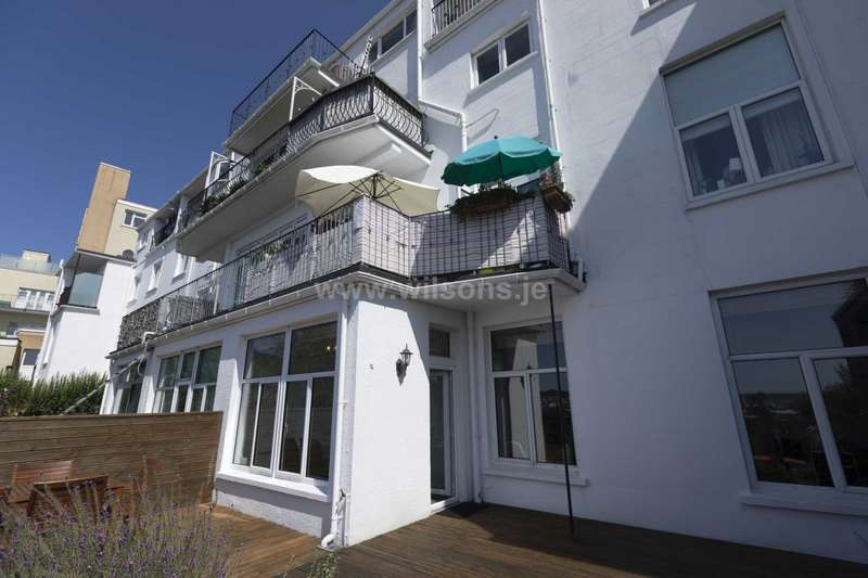2 Bedrooms Apartment Flat for sale in Mont Millais