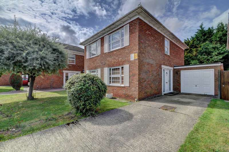 4 Bedrooms Detached House for sale in Longwick Village