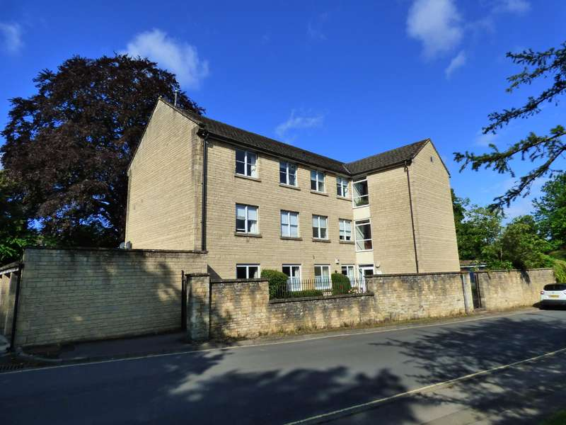2 Bedrooms Apartment Flat for sale in Mullings Court, Cirencester, Gloucestershire