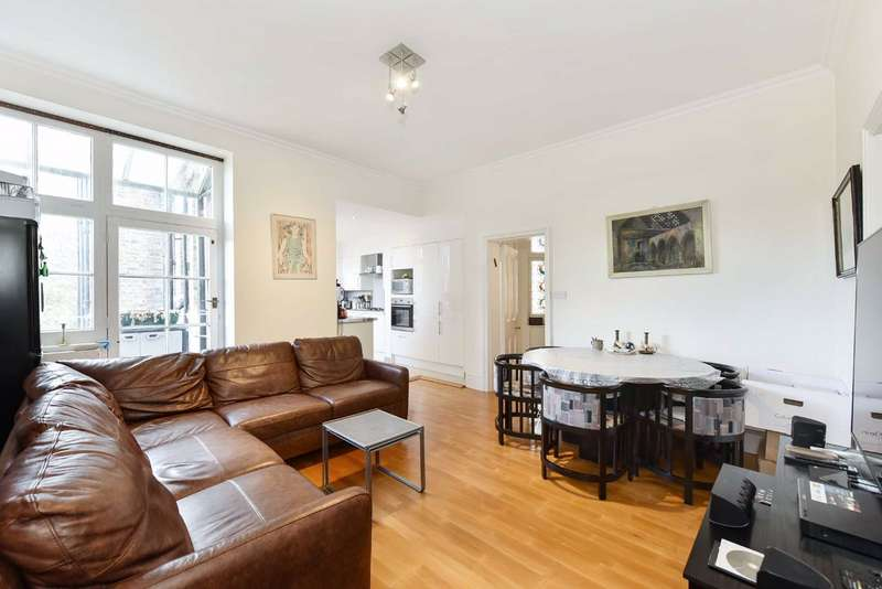 4 Bedrooms Flat for sale in Vale Court, London, W9