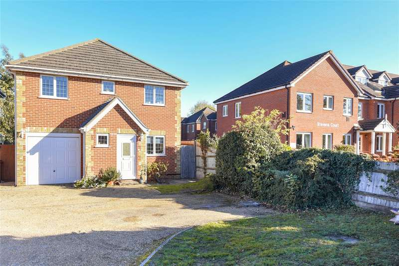 4 Bedrooms Detached House for sale in Reading Road, Winnersh, Wokingham, Berkshire, RG41