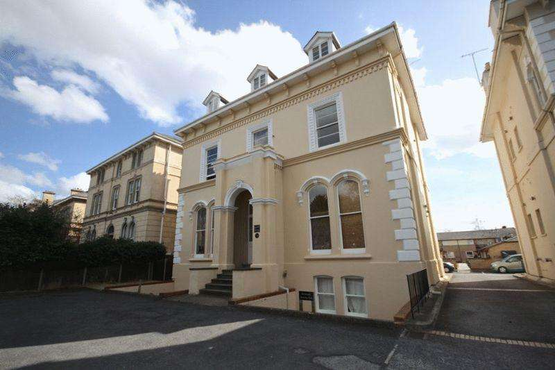 1 Bedroom Apartment Flat for sale in Pittville Circus Road, Pittville