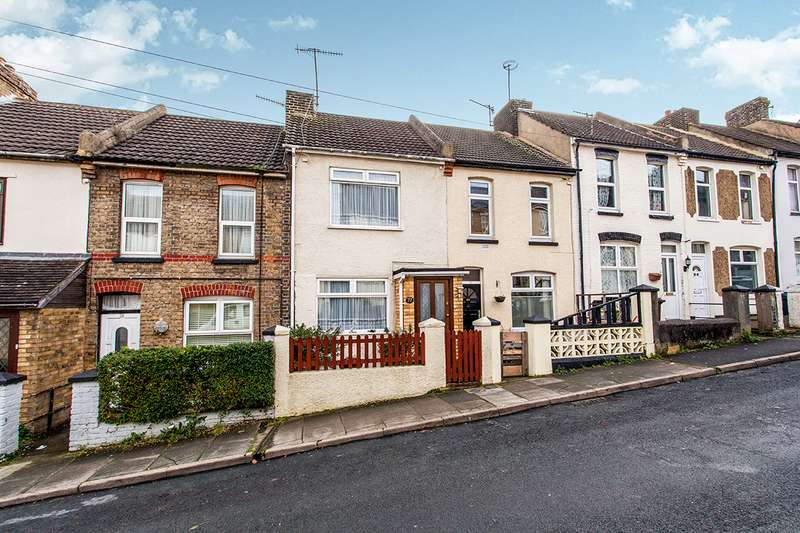 3 Bedrooms House for sale in Gordon Road, Chatham, Kent, ME4
