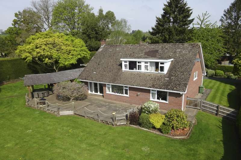 4 Bedrooms Detached House for sale in Hampton Road, Oswestry, Shropshire, SY11