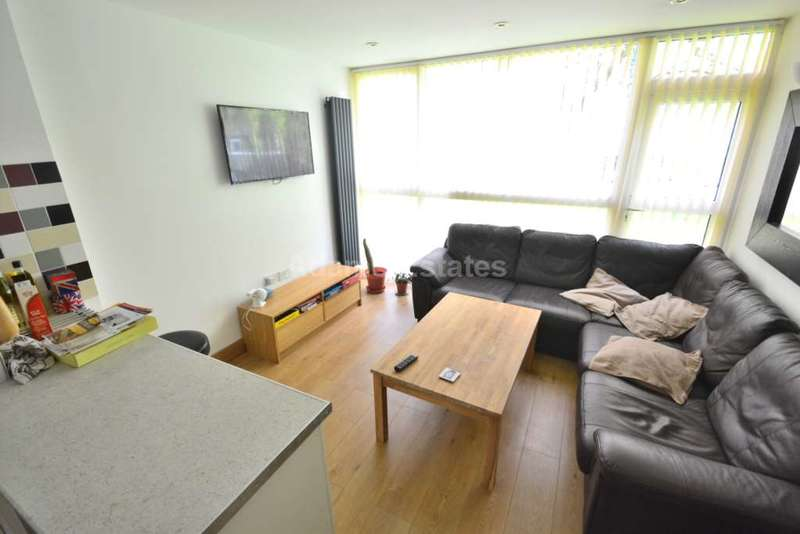 4 Bedrooms House for rent in Mill Close, Wokingham