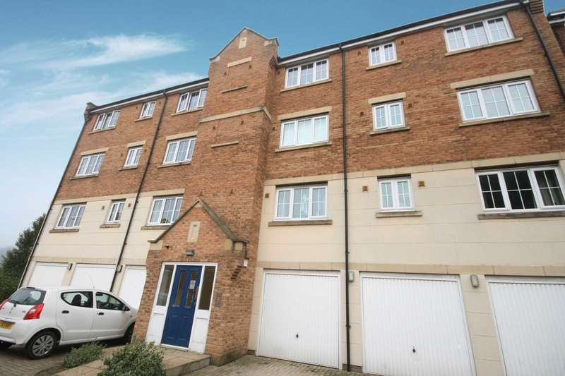 2 Bedrooms Flat for sale in Bramley Court, Luton Road