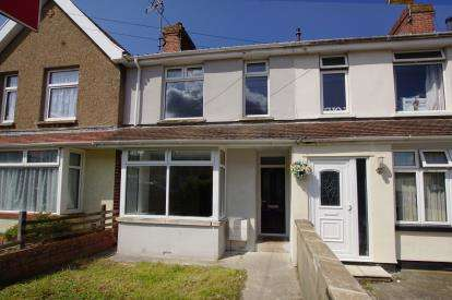 4 Bedrooms Terraced House for sale in James Road, Staple Hill, Bristol