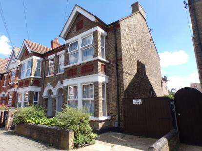 5 Bedrooms Semi Detached House for sale in Goldington Avenue, Bedford, Bedfordshire, .