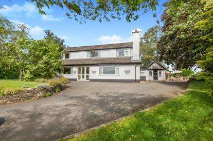 4 Bedrooms Detached House for sale in Newcastle Road, Woore, Crewe, Shropshire