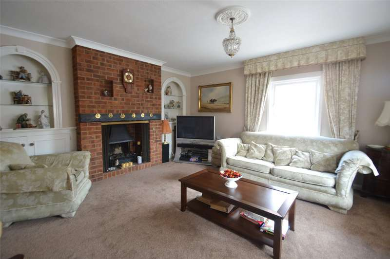 2 Bedrooms Detached Bungalow for sale in The Crescent, Maidenhead, Berkshire, SL6
