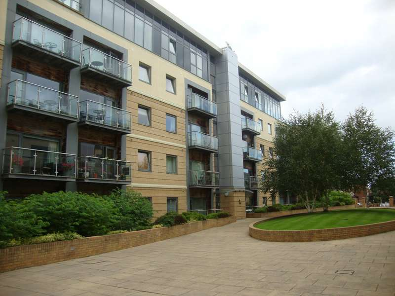 2 Bedrooms Apartment Flat for sale in Grove Park Oval, Gosforth