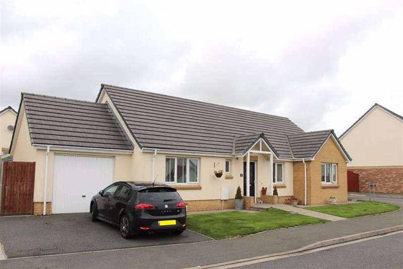 3 Bedrooms Detached Bungalow for sale in Myrtle Meadows, Steynton, Milford Haven