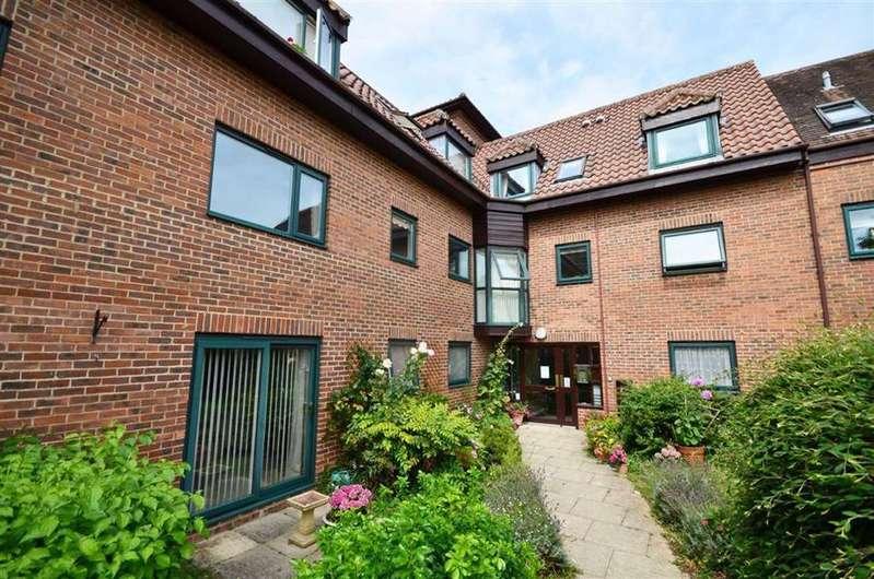 1 Bedroom Retirement Property for sale in Chapel Hay Lane, Churchdown