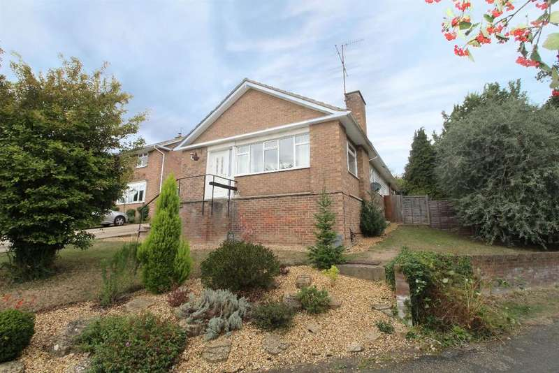 4 Bedrooms Detached Bungalow for rent in Rosemary Drive, Bromham, MK43