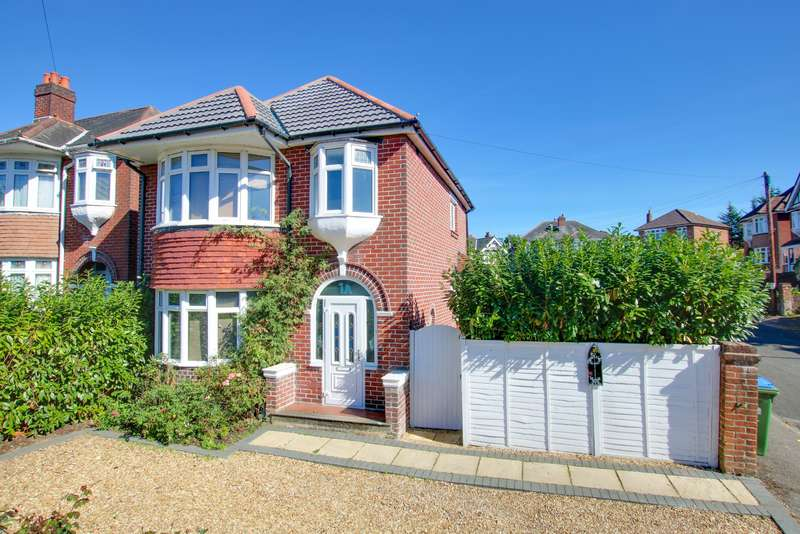 3 Bedrooms Detached House for sale in Longmore Crescent, Woolston