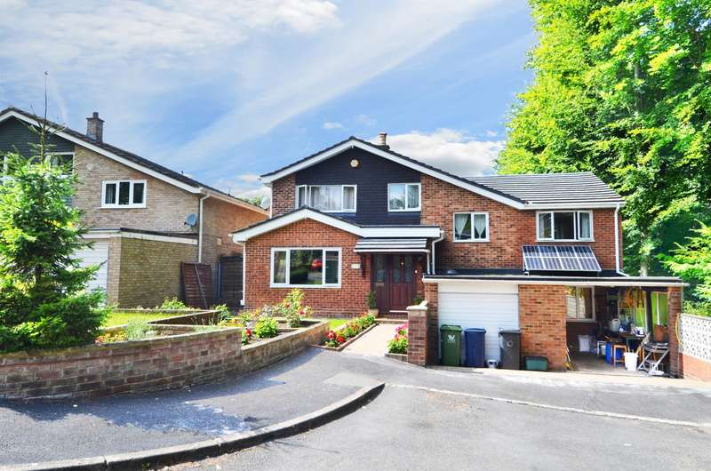 5 Bedrooms Detached House for sale in Warren Wood Drive, High Wycombe, HP11